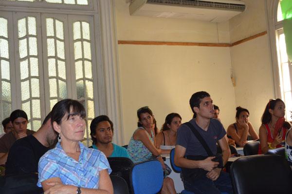 Público asistente a la conferencia de Ariadna Ruiz