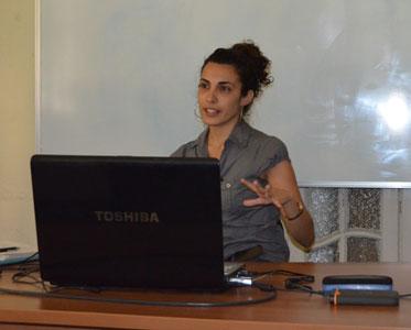 Ariadna Ruiz durante la conferencia