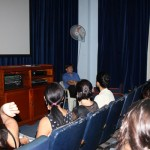 Hamlet Fernández durante las sesiones teóricas