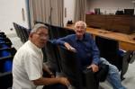 Luc junto a su amigo Héctor Villaverde, diseñador gráfico