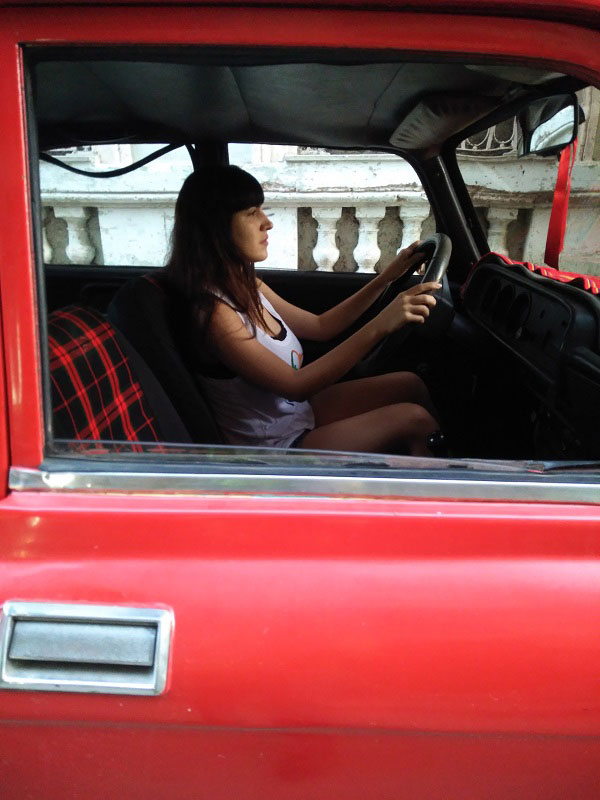 thais-carro